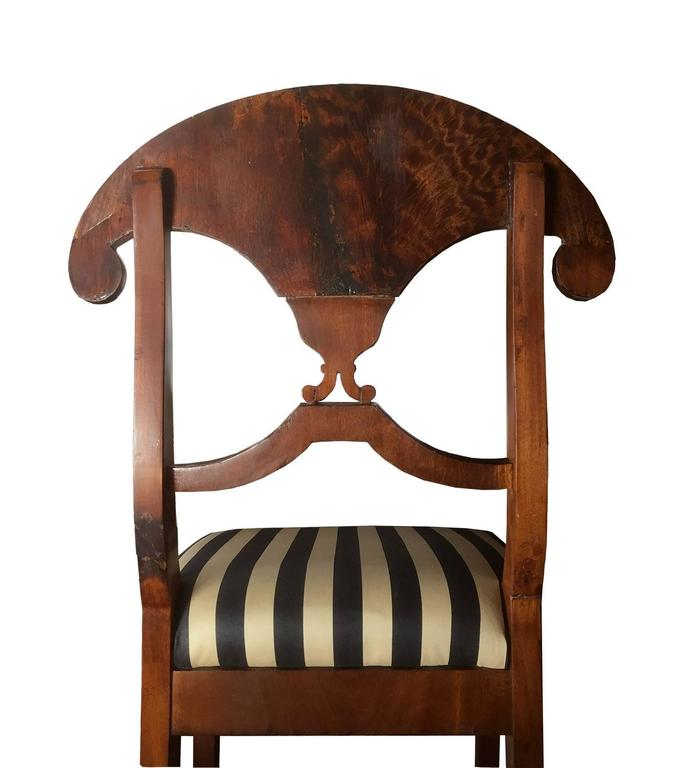 Pair of Swedish Mahogany Karl Johan Biedermeier Side Chairs, circa 1825 For Sale 2