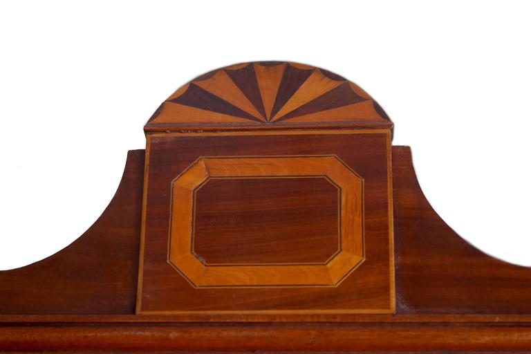 Early 19th Century English Hepplewhite Regency Secretary Bookcase and Cabinet For Sale 4
