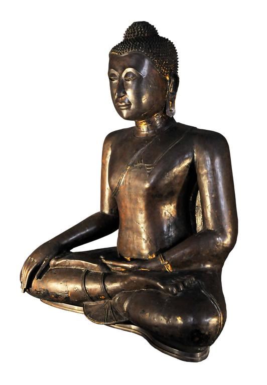 The founding of the kingdom of Ayuthya by the Prince of U Thong in 1350 also marks the birth of a unified Thailand.  Although this art is more wise than in previous periods, he is nonetheless remarkably rich in inspiration, diverse in his means of