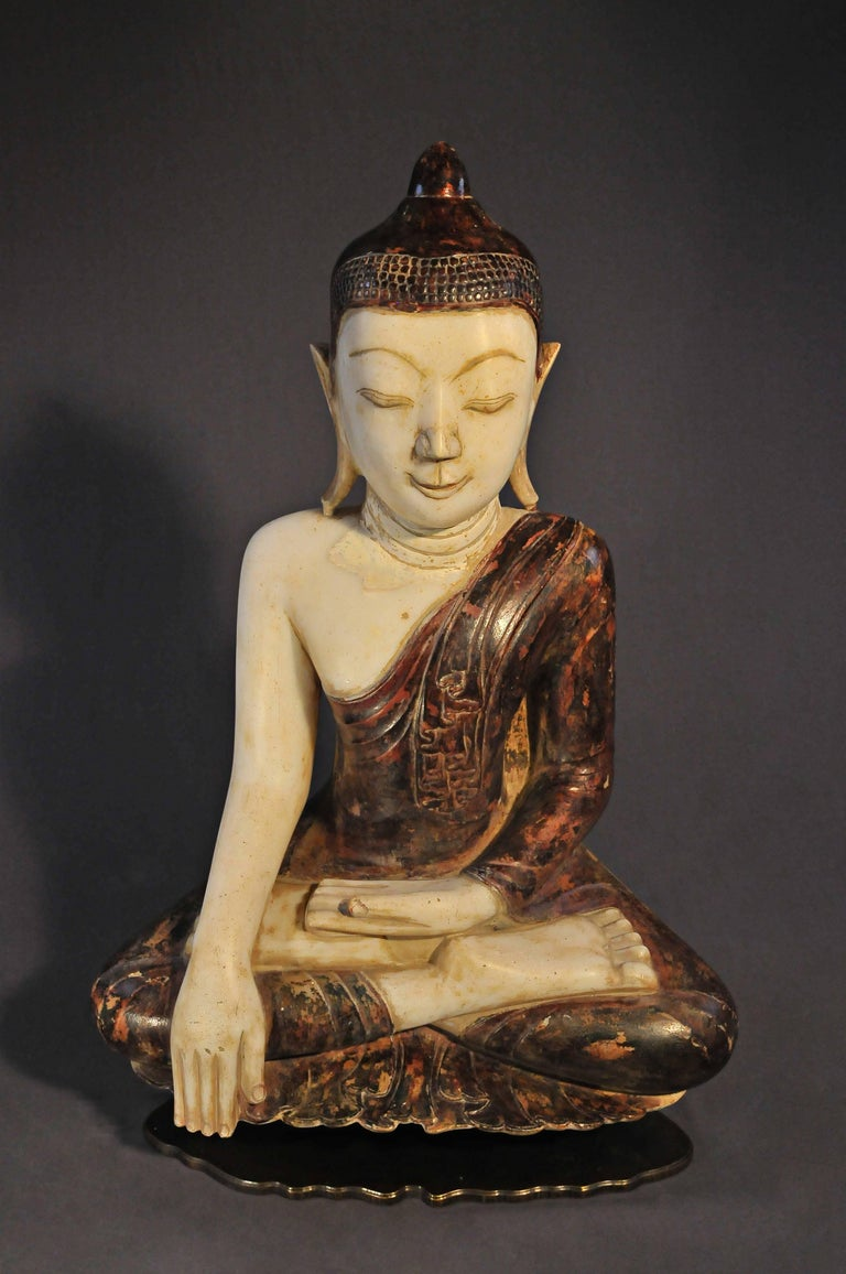 Burma was particularly interested in the performances of Buddha and his disciples. The Master, is represented here in the attitude of