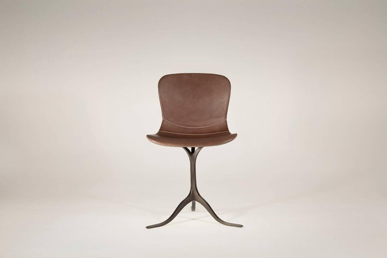 Model: PT40-DB-truffe Seat: Leather Seat color: DB-truffe Base: PT40, sand cast brass Base finish: Brushed charcoal Dimensions: 52 x 50 x 78 cm; Seat height 46 cm (W x D x H) 18.1 x 19.6 x 30.71 inch; Seat height 18.1 inch   This is a version pf our