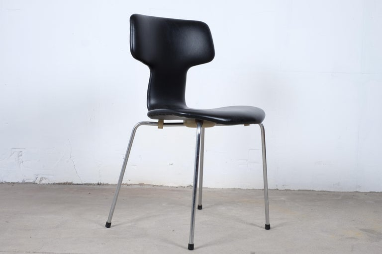 Danish Pair of 'T-Chairs' by Arne Jacobsen For Sale