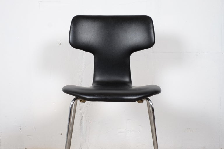 Pair of 'T-Chairs' by Arne Jacobsen In Good Condition For Sale In Middelfart, Fyn