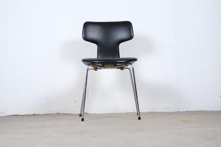 Late 20th Century Pair of 'T-Chairs' by Arne Jacobsen For Sale