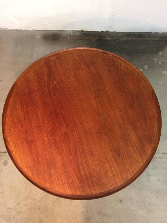 1960s Danish Mid-Century Coffee Table in Teak In Good Condition For Sale In Middelfart, Fyn