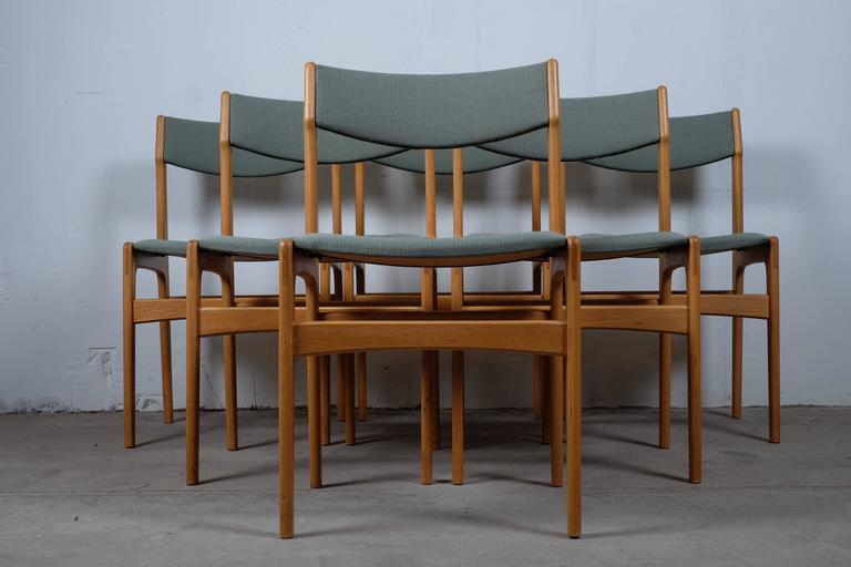 Set Of Six Dining Chairs In Oak Designed In The 1970s For