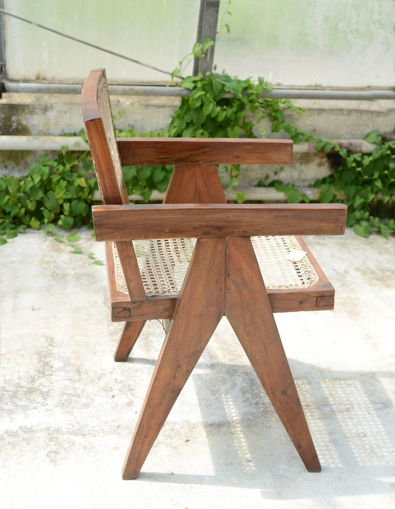 Pierre Jeanneret Office Cane Chair, Rare with Letters from Punjab National Bank In Good Condition For Sale In Dietikon, CH