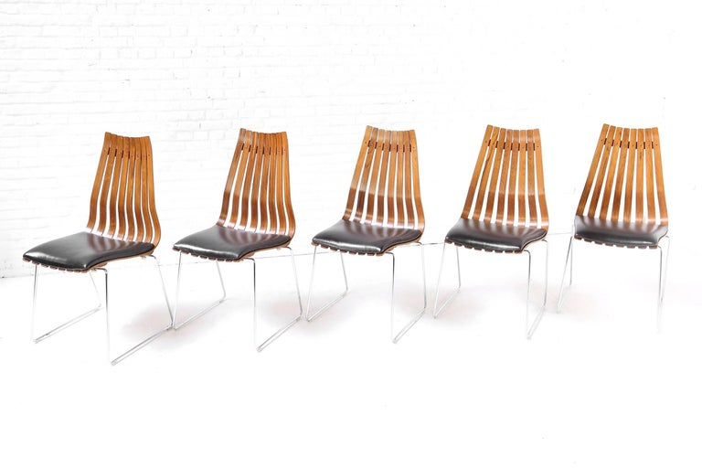 Five hans brattrud rosewood scandia chairs produced by for Furniture hove