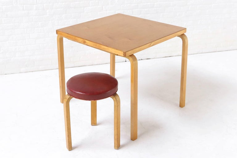 Upholstered Stool 60, Alvar / Aino Aalto, Artek, Finland, circa 1940 In Good Condition For Sale In Ghent, BE