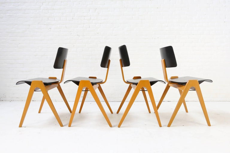 Robin Day Set of 4 Hille 'Hillestak' Stacking Midcentury Chairs, 1950s 4
