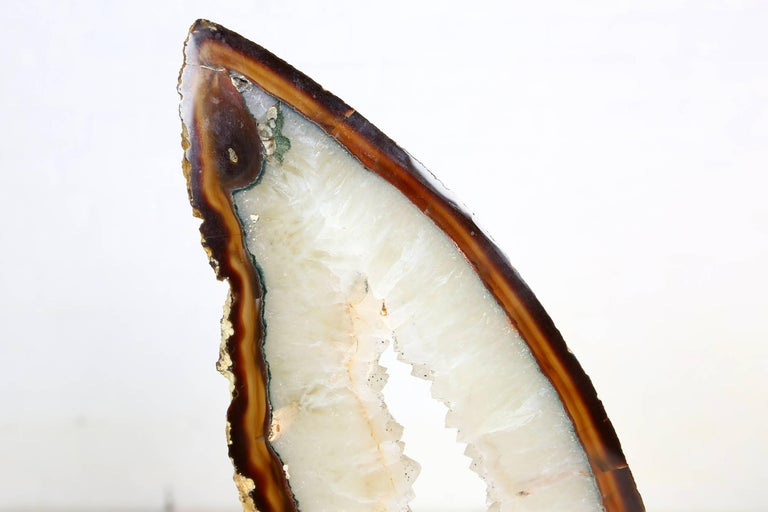 Very Large and Rare White Agate on Brass Base Attributed to Willy Daro For Sale 2
