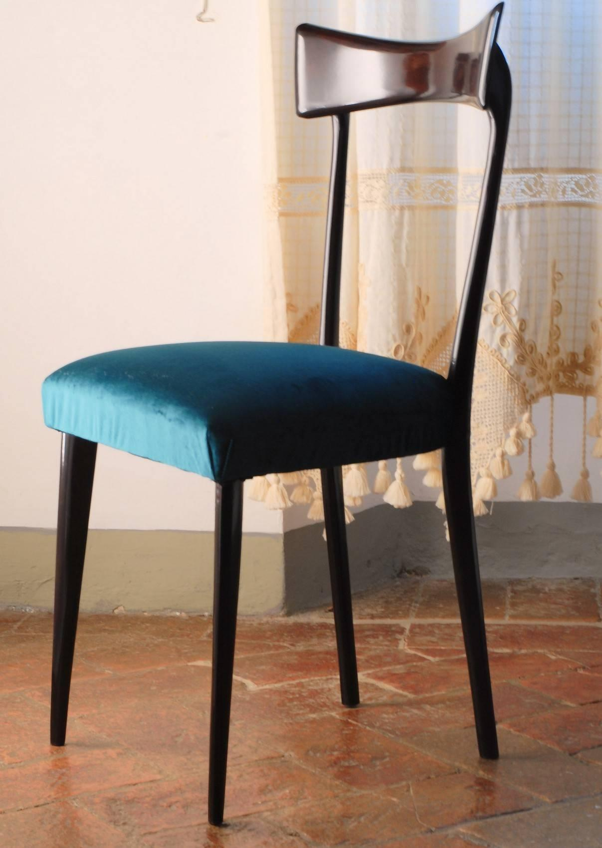 Graceful Set Of Six Dining Chairs Attributed To Ico Parisi For Ariberto  Colombo. Fully Restored