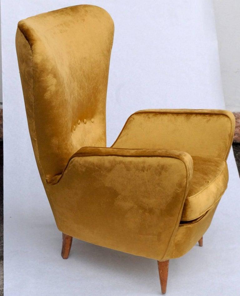 Mid-20th Century Sala Madini for Galimberti Cantu Small Sofa, 1950s Fully Restored, Gold Velvet For Sale