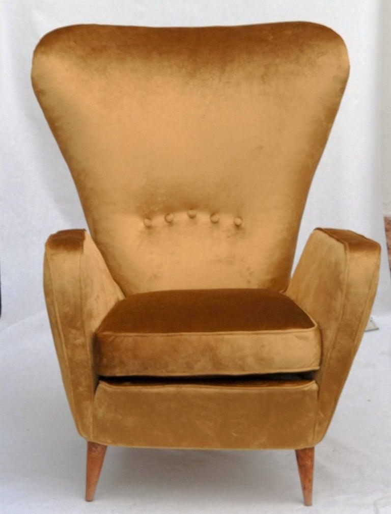 Sala Madini for Galimberti Cantu Small Sofa, 1950s Fully Restored, Gold Velvet For Sale 1