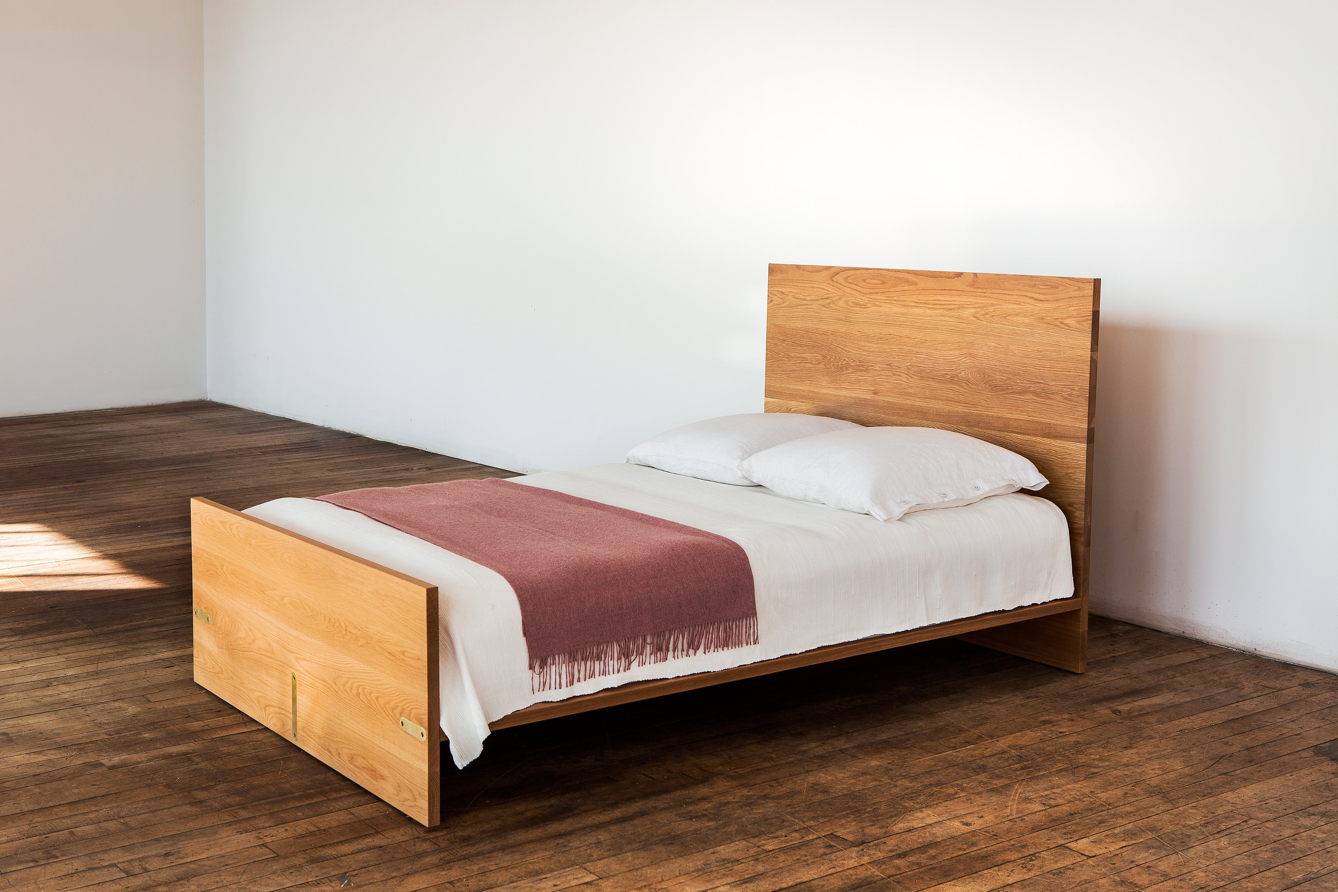 Ab6, Queen Size Contemporary White Oak Platform Bed With Two Storage