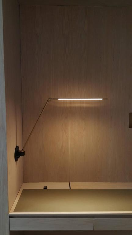 Thin Model S Contemporary 1 2 Brass Desk Or Task Led Lamp