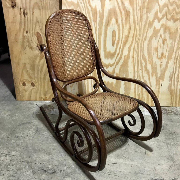 Rocking chair schaukelstuhl by gebr der thonet for sale at for Rocking chair schaukelstuhl