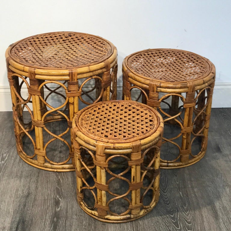 Mid-Century Modern Set of Three Graduating/ Nesting Bamboo, Rattan and Reed Nesting Side Tables For Sale