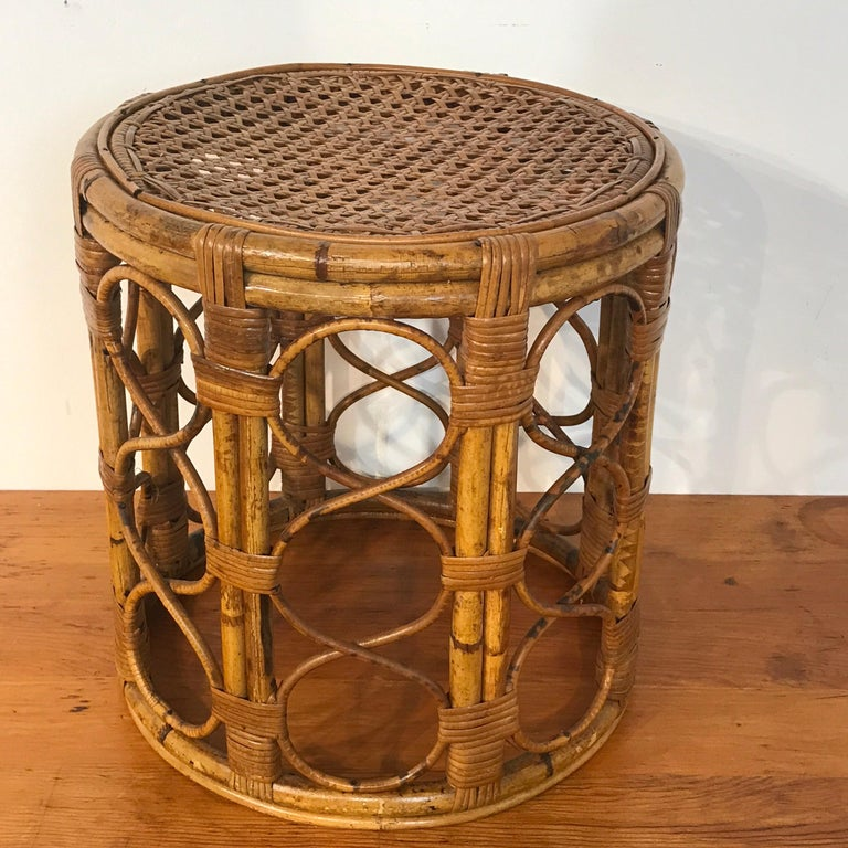 Set of Three Graduating/ Nesting Bamboo, Rattan and Reed Nesting Side Tables For Sale 6
