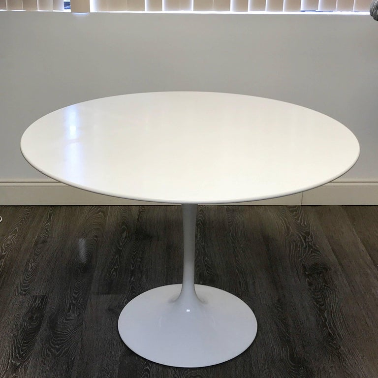 Eero Saarinen for Knoll International Tulip Dining Table, Newer For Sale 1