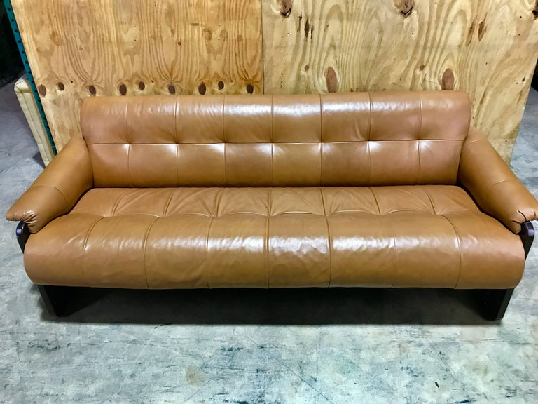 Mid-20th Century Brazilian Rosewood and Saddle Leather Long Sofa by Percival Lafer, #11874 For Sale