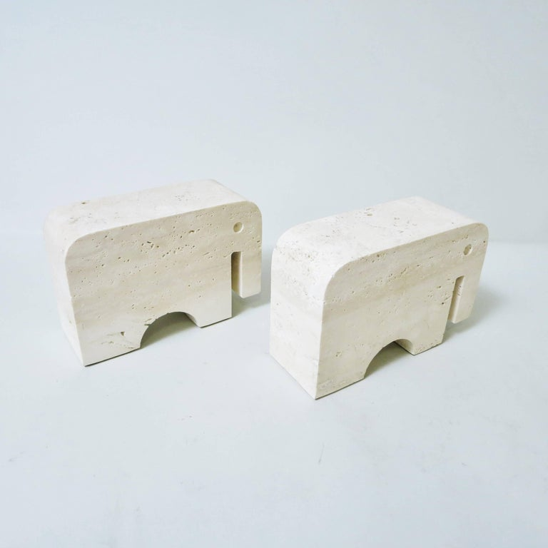 Mid-Century Modern Pair of Bookends Elephant in Travertine by Fratelli Mannelli, 1970 For Sale