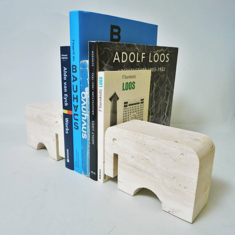 Pair of Bookends Elephant in Travertine by Fratelli Mannelli, 1970 For Sale 1