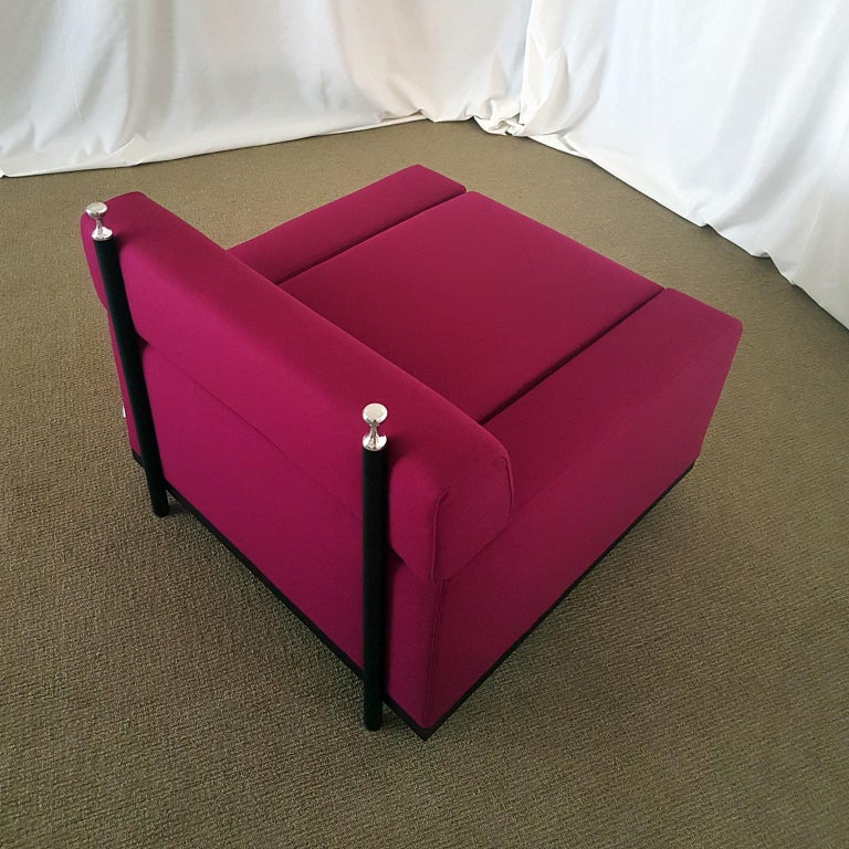Varnished Achille and Pier Giacomo Castiglioni Fuxia Fabric Armchair on Castors, 1957 For Sale