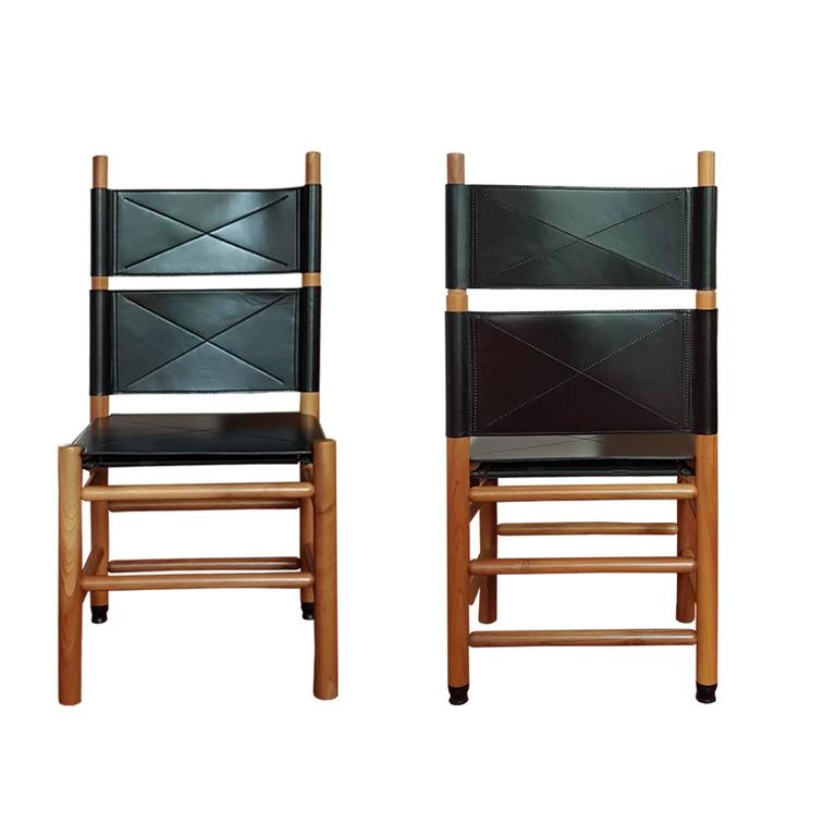 Modern Carlo Scarpa Set of 4 Italian Bernini Walnut Chairs with Black Leather Seat 1977 For Sale