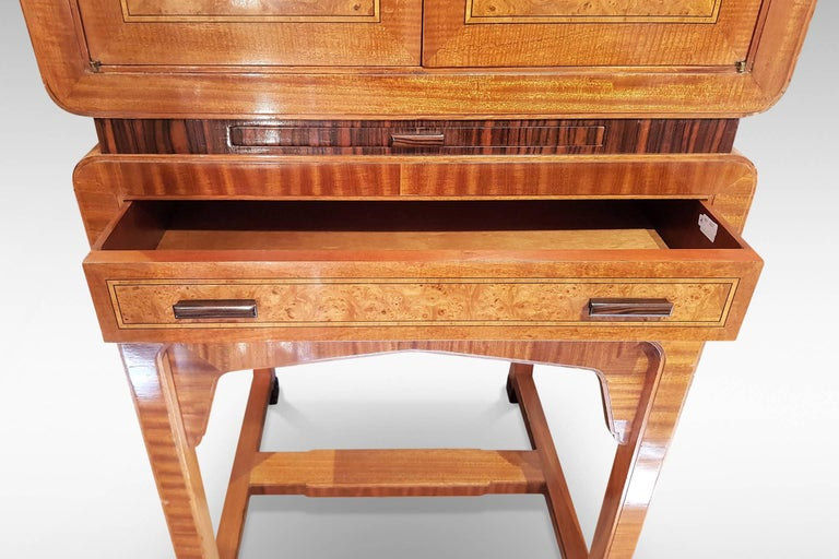 20th Century Art Deco Cocktail Cabinet in Burr Walnut and Other Veneers For Sale