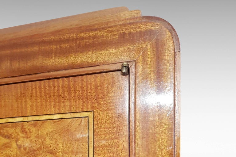 Art Deco Cocktail Cabinet in Burr Walnut and Other Veneers For Sale 1