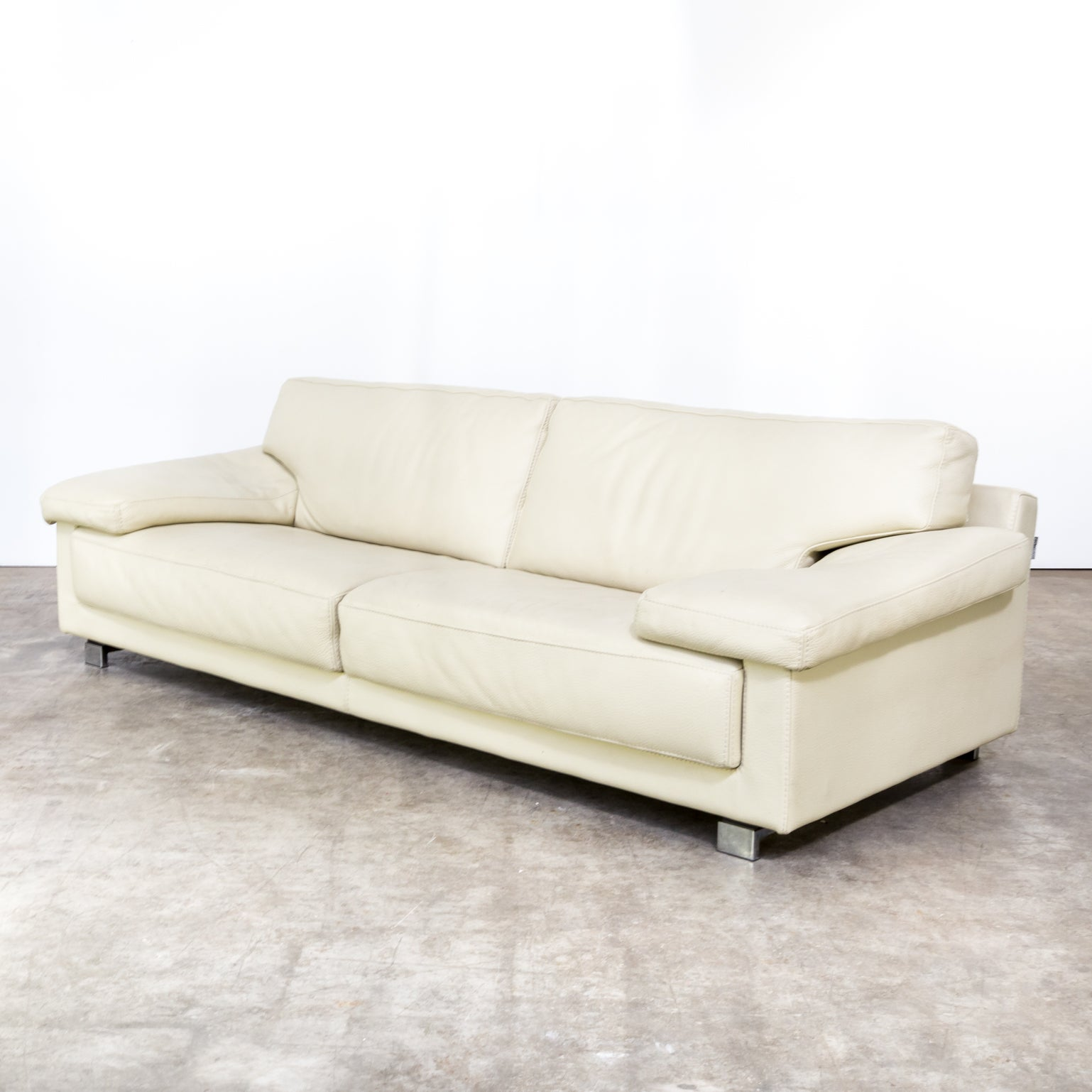 Bank Design Leer.Roche Bobois Leather Sofa For Sale At 1stdibs