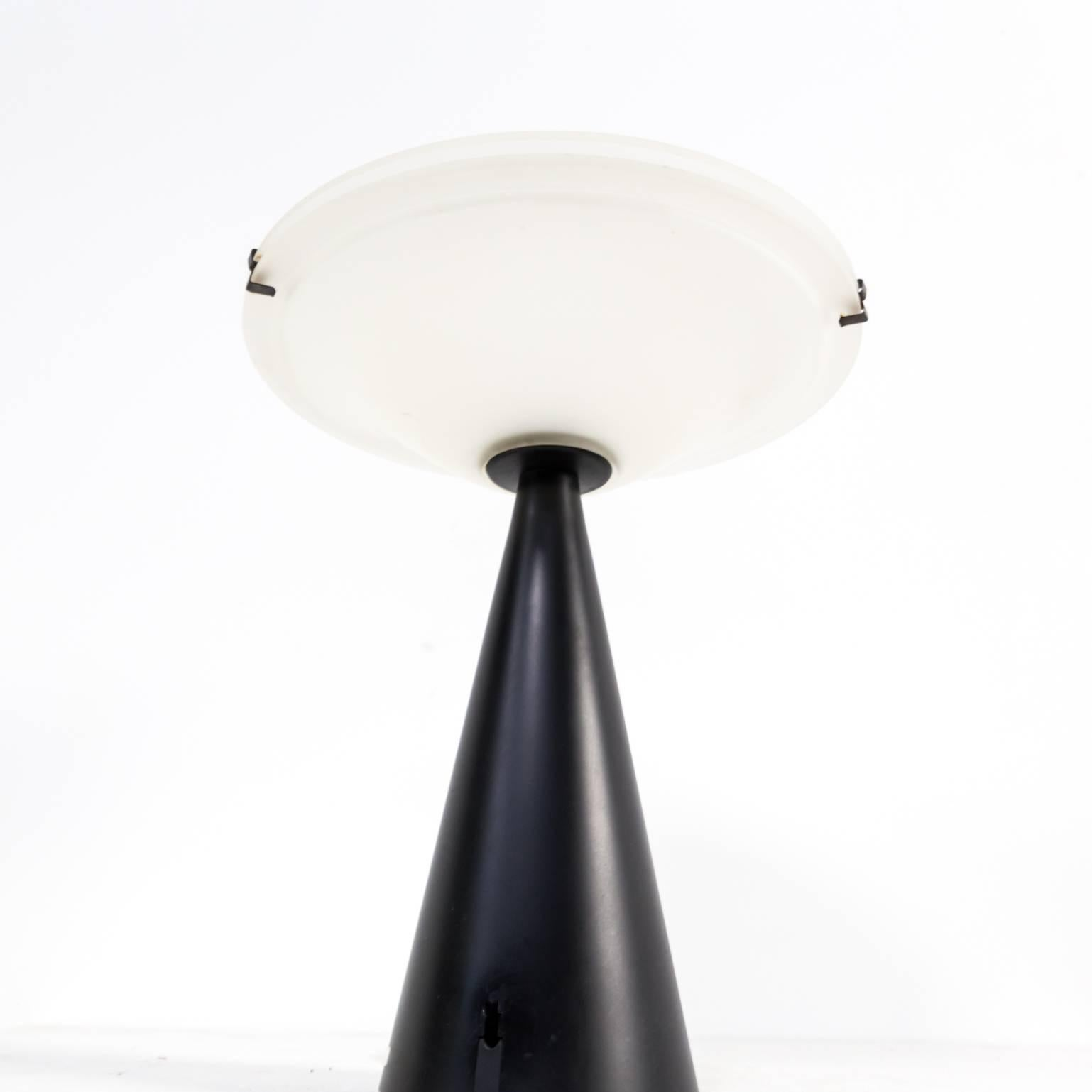 1970s Lacca Cesare \'Aliën\' Table Lamp for Tre Ci Luce For Sale at ...