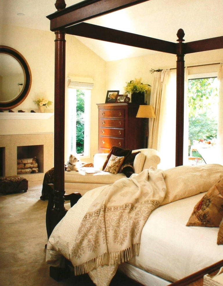Bedrooms, Creating the Stylish, Comfortable Room of Your Dreams Signed In Good Condition For Sale In valatie, NY