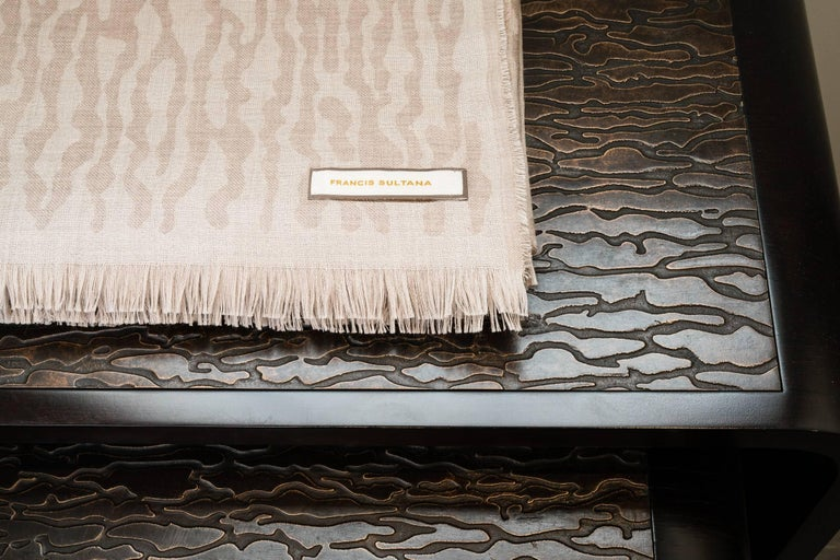 160 x 200 cm The first FS Camouflage throw is available in reversible beige and taupe.