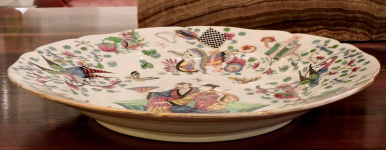 Late 19th Century Pair of 19th Century Polychromed Bayeux Porcelain Pendant Plates For Sale