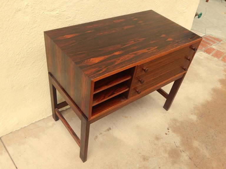 Danish Mid-Century Modern Rosewood Storage Chest, circa 1960 In Excellent Condition For Sale In Los Angeles, CA