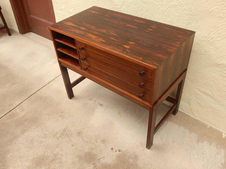 Danish Mid-Century Modern Rosewood Storage Chest, circa 1960 For Sale 1