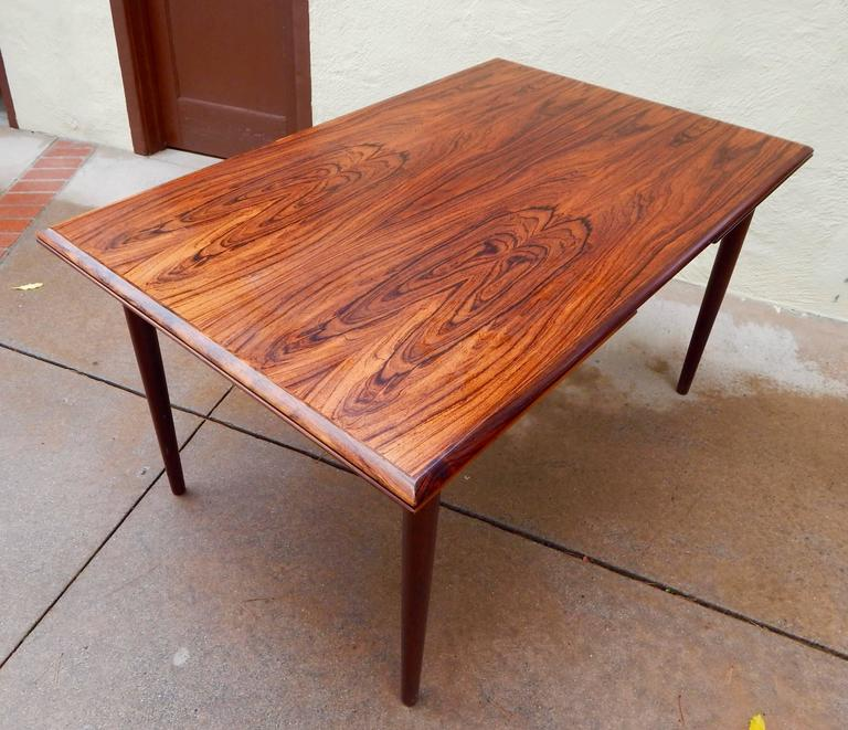 Mid-20th Century Extendable Danish Mid-Century Modern Rosewood Dining Table, circa 1960 For Sale