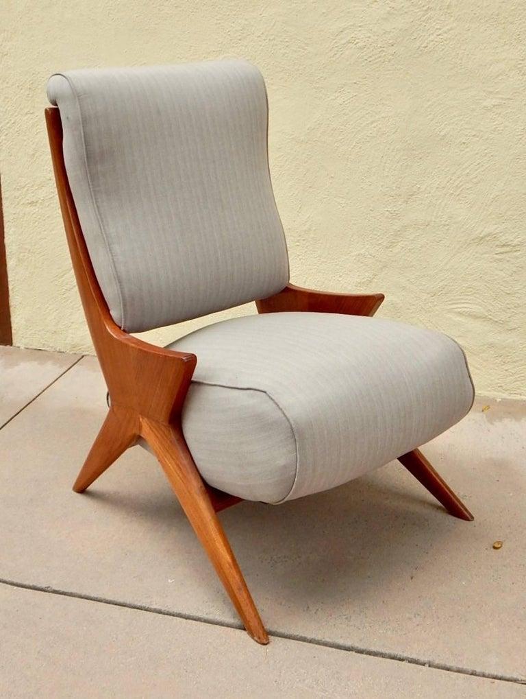 Argentine Americano Funcional Mid-Century Slipper Chair 1950s For Sale 3