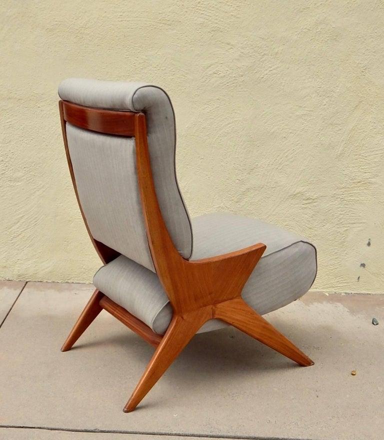 Mid-Century Modern Argentine Americano Funcional Mid-Century Slipper Chair 1950s For Sale