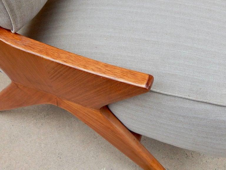 Argentine Americano Funcional Mid-Century Slipper Chair 1950s For Sale 2