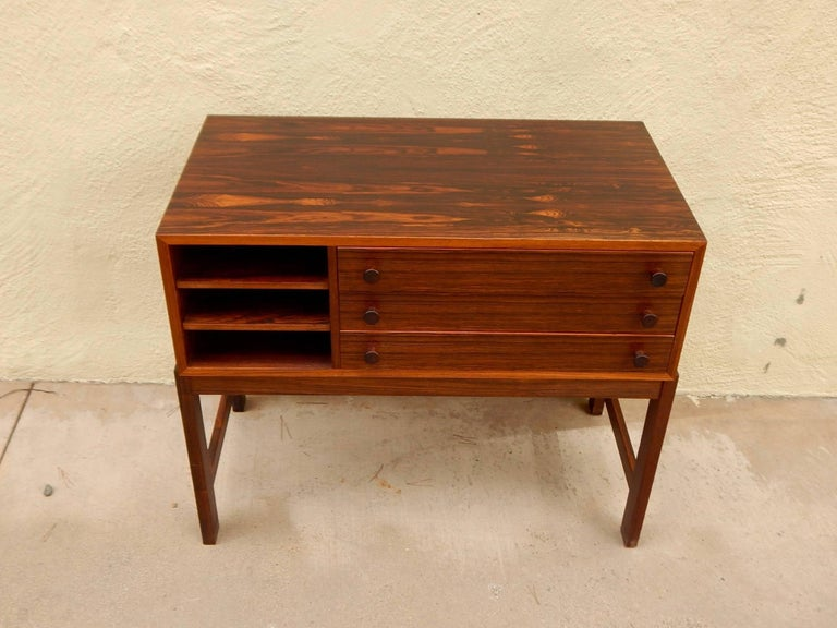 Danish Mid-Century Modern Rosewood Storage Chest, circa 1960 For Sale 7
