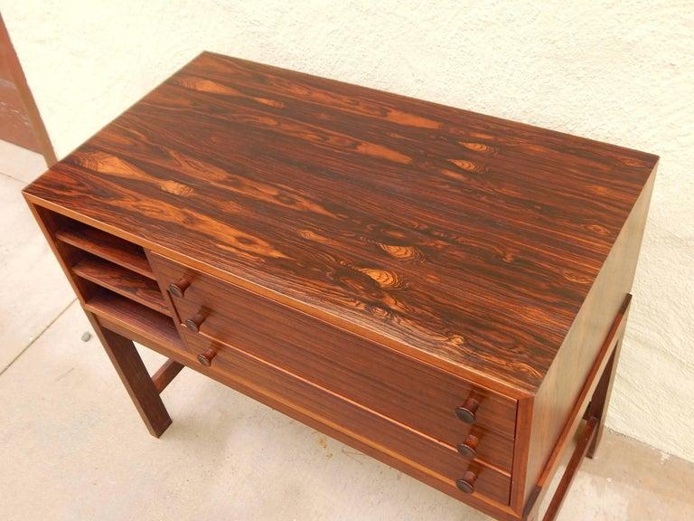 Danish Mid-Century Modern Rosewood Storage Chest, circa 1960 For Sale 8