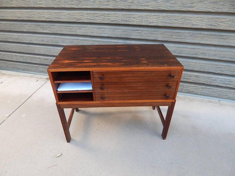 Danish Mid-Century Modern Rosewood Storage Chest, circa 1960 For Sale 15