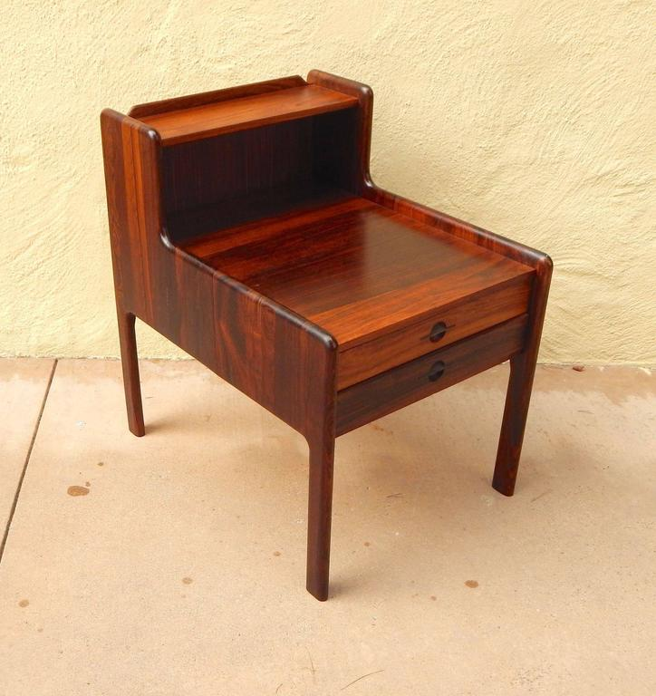 Danish Mid-Century Modern Rosewood Side Table, circa 1960 In Excellent Condition For Sale In Los Angeles, CA
