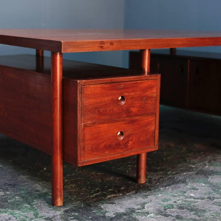 Large Desk with Box on the Side by Pierre Jeanneret In Good Condition For Sale In Tokyo, JP