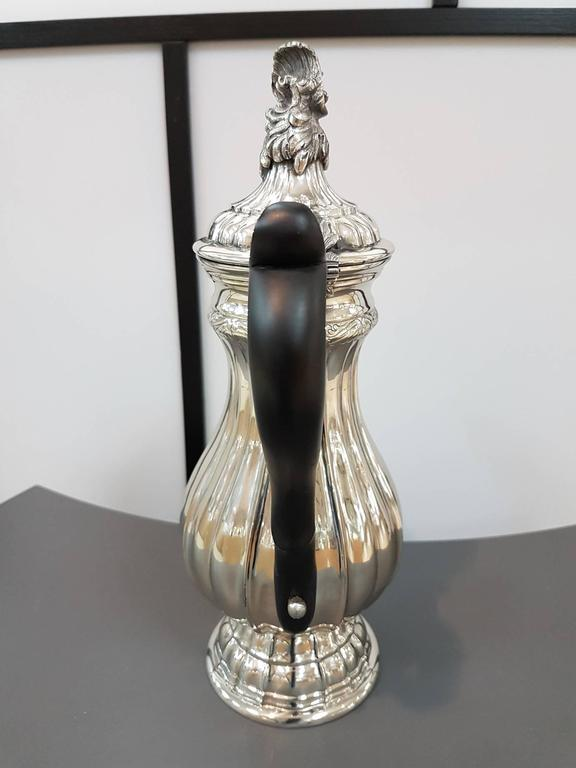 Embossed 20th Century Italian Silver Coffeepot Venetian revival For Sale