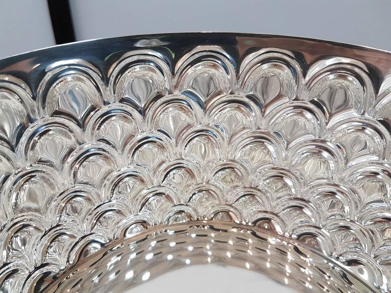 20th Century Italian Silver Round basket with handles. Handicraft made in Italy In Excellent Condition For Sale In VALENZA, IT