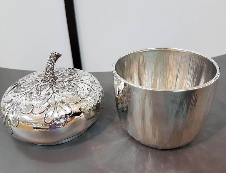 20th Century Italian Silver Box Embossed and Chiselled by Hand Acorn Shape For Sale 2